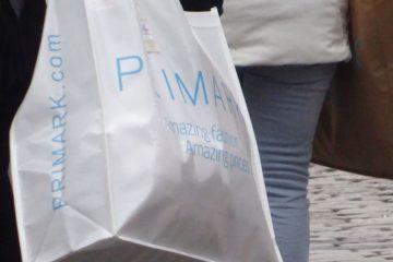 primarktas gekocht bij een verkoopmedewerker