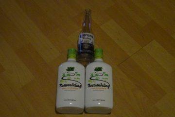ballenvoelvrouw piemel gemaakt van corona en boswandeling flessen