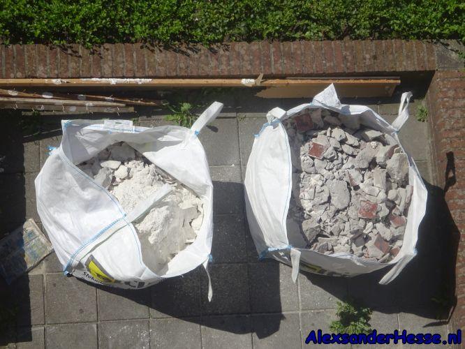 afval in tuin door boren nijestee groningen elting overlast