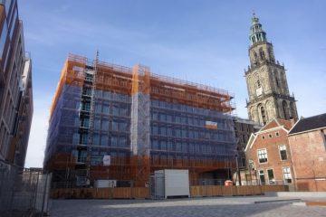 het nieuwe flatgebouw sociale huur springen